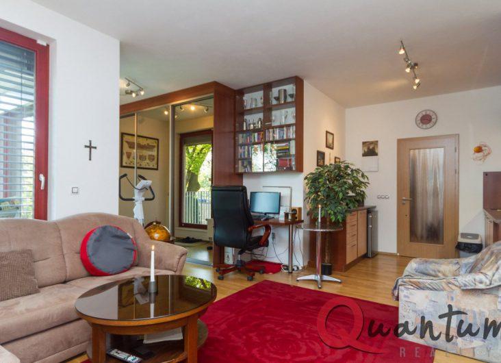 Prodej bytu 3+kk se zahrádkou, Praha 6, Suchdol