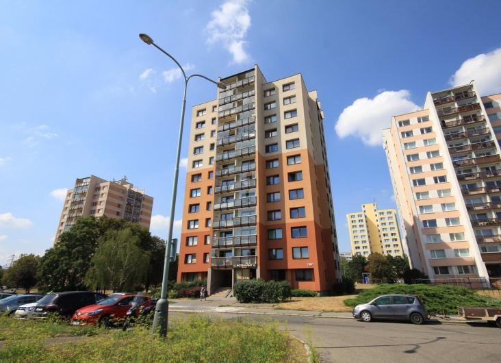 Prodej bytu 1+kk, Praha 8