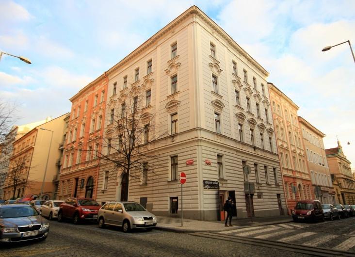 Pronájem bytu 1+kk, Praha 2