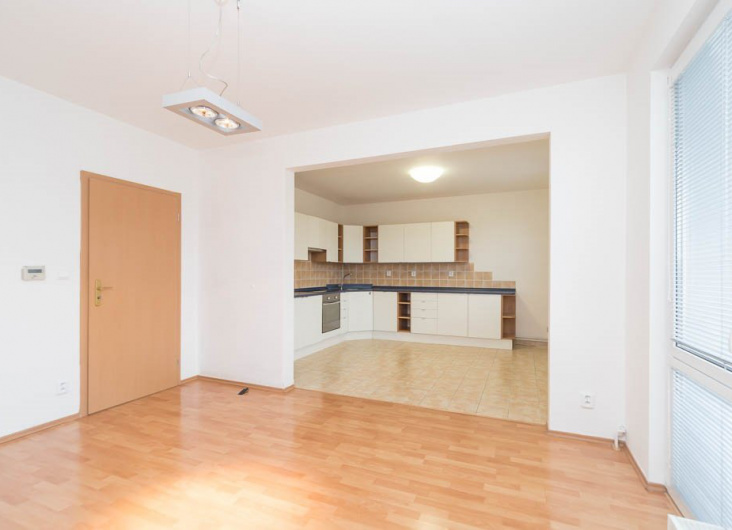 Pronájem bytu 3+1, Praha 9