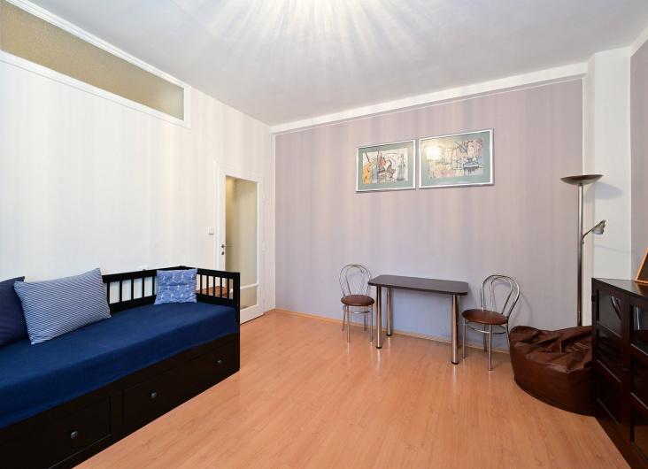 Prodej bytu 1+kk, Praha 6