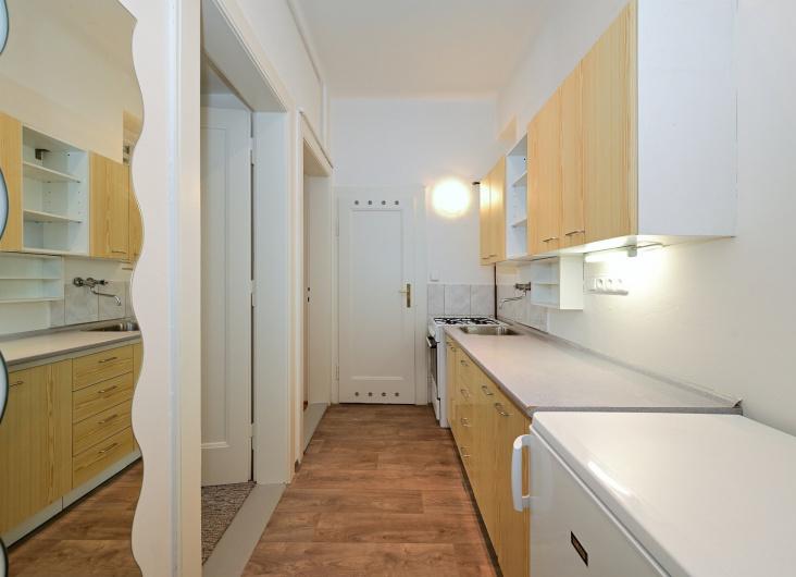 Pronájem bytu 2+1, Praha 3